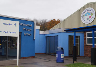 Kellogg's awards Monkwood Primary School £1000 to help fund its breakfast club