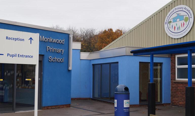 Kellogg's awards Monkwood Primary School £1000 to help fund its breakfast club